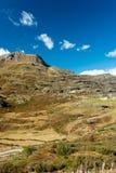 Paso de Simplon, paisaje alpino de un paso de montaña con la iglesia Fotos de archivo
