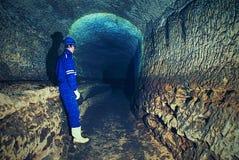Paso del bastión debajo de la ciudad Catacumbas viejas construidas en roca anaranjada de la piedra arenisca Imagen de archivo