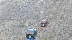 Paso del ferrocarril aéreo de Hakone de la montaña de Hakone