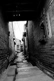 Paso en aldea antigua china Imagen de archivo libre de regalías