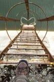 Paso que lleva abajo de la escalera Foto de archivo libre de regalías