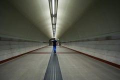 Paso subterráneo, estación de metro en Atenas Imagen de archivo