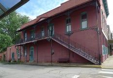 Pasos al aire libre adornados, edificio histórico, Van Buren, Arkansas Imágenes de archivo libres de regalías