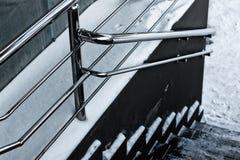Pasos de la verja y de las escaleras del metal Fotos de archivo