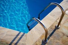 Pasos de progresión de la piscina Foto de archivo