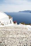 Pasos de progresión en la isla de Santorini Fotos de archivo libres de regalías