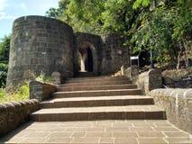Pasos del fuerte de Shivneri fotos de archivo