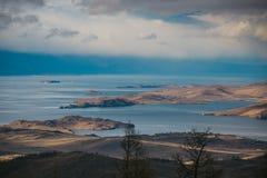 Pasos e islas del mar del panorama Imagenes de archivo