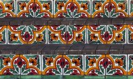 Pasos españoles pintados a mano de la teja imagenes de archivo
