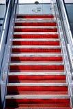 Pasos móviles de la escalera del avión de las escaleras del aire a los aviones Fotografía de archivo libre de regalías