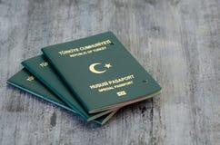 Paspoort door de autoriteiten wordt geannuleerd die stock foto's