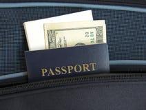 Paspoort in een zak Stock Foto