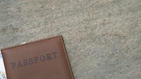 Paspoort en geld stock footage