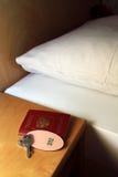 Paspoort en sleutel Royalty-vrije Stock Afbeelding