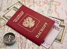 Paspoort met het geld Royalty-vrije Stock Afbeelding