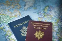 Paspoorten voor wereldreis Stock Foto's