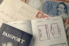 Pasport et argent Photo libre de droits