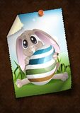 Pasqua Bunny With Colorful Egg. royalty illustrazione gratis
