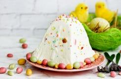Pasqua tradizionale ha modellato il dessert della ricotta immagine stock libera da diritti