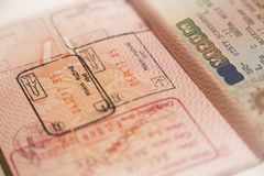 Pass mit Wechselstempel und Visum stockfoto