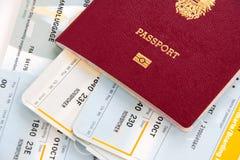 Pass och boardingcarder Arkivbild