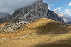 Pass road at Passo di Giau, Dolomites, Italian Alps Royalty Free Stock Photos