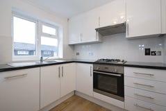 passad fullt modern white för kök Fotografering för Bildbyråer