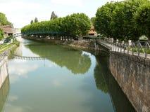 Passadiço de Victor Hugo no canal de Briare em Montargis imagens de stock