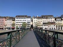 Passadi?o de Muehlesteg ou de Muhlesteg ou dado Liebesbrucke von Zurique foto de stock royalty free