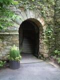 Passage arqué en pierre Images stock