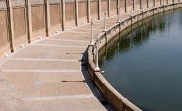 Passage couvert autour de lac Photographie stock libre de droits