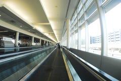 Passage couvert d'aéroport Photographie stock libre de droits