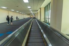 Passage couvert d'aéroport dans l'aéroport international de Don Mueang Photographie stock