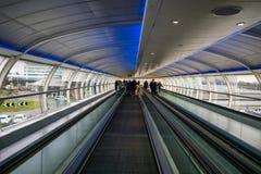 Passage couvert d'aéroport de Manchester Images stock