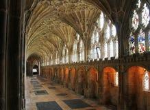 Passage couvert de cathédrale de Gloucester utilisé en film 4 de Harry Potter image stock