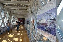 Passage couvert de pont de tour Photographie stock libre de droits