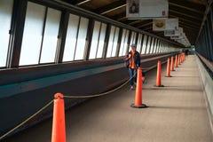 Passage couvert piétonnier pour le ferry Images libres de droits