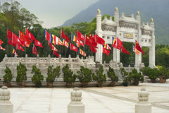 Passage dans PO Lin Monastery, île de Lantau, Hong Kong Photos stock