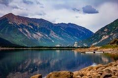 Passage de montagne aux lacs jumeaux Images libres de droits