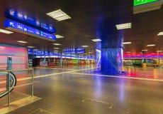 Passage de ShopVille de la gare ferroviaire de canalisation de Zurich Photographie stock libre de droits