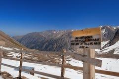 Passage de Talgar Station de sports d'hiver de Shymbulak Images libres de droits