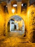 Passage de tour d'horloge dans Sighisoara Images libres de droits