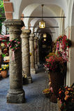 Passage dichtbij Getreidegasse in Salzburg, Oostenrijk Royalty-vrije Stock Foto's