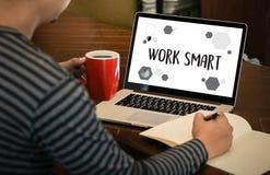 Passage efficace productif futé fonctionnant de développement de croissance de travail Photo stock