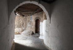 Passage en vieille Médina. Ville de Tanger, Maroc Image libre de droits