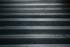 Passage pour piétons de marquage routier images stock
