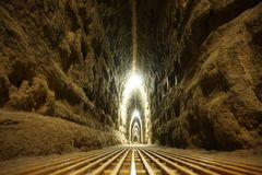 Passage souterrain antique sous la pyramide de Cholula image stock