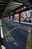 Passage supérieur de train, Brooklyn NY Image stock