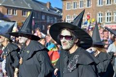 Passage under årlig karneval i Nivelles Arkivbild