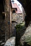 Passage under bron i den Czocha slotten i Polen royaltyfria bilder